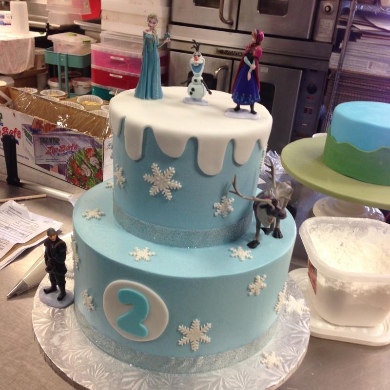 2023, second birthday, 2nd birthday, snow, snowflake, snowflakes, frozen, elsa, anna, kristoff, olaf, blue, white, tiered