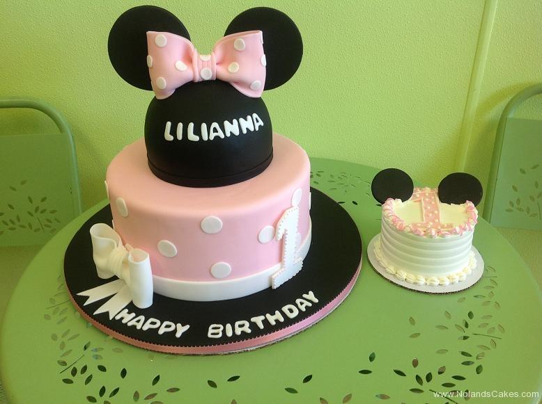 444, first birthday, 1st birthday, disney, minnie mouse, minnie, pink, white, black, smash cake