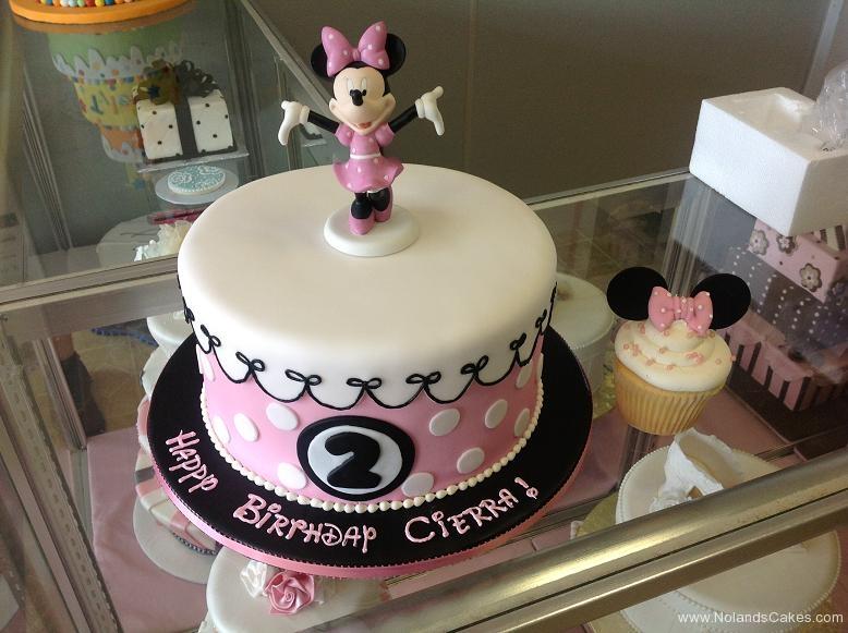 1031, second birthday, 2nd birthday, disney, minnie mouse, minnie, pink, white, black, smash cake, cupcake