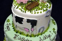 1903, birthday, farm, farmyard, barn, barnyard, cow, pig, chicken, horseshoe, green, white, red, tiered