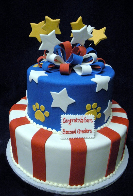 2843, tiered, two tier, red, white, blue, paw prints, stars, flag, america, ribbon, bow, stripes,