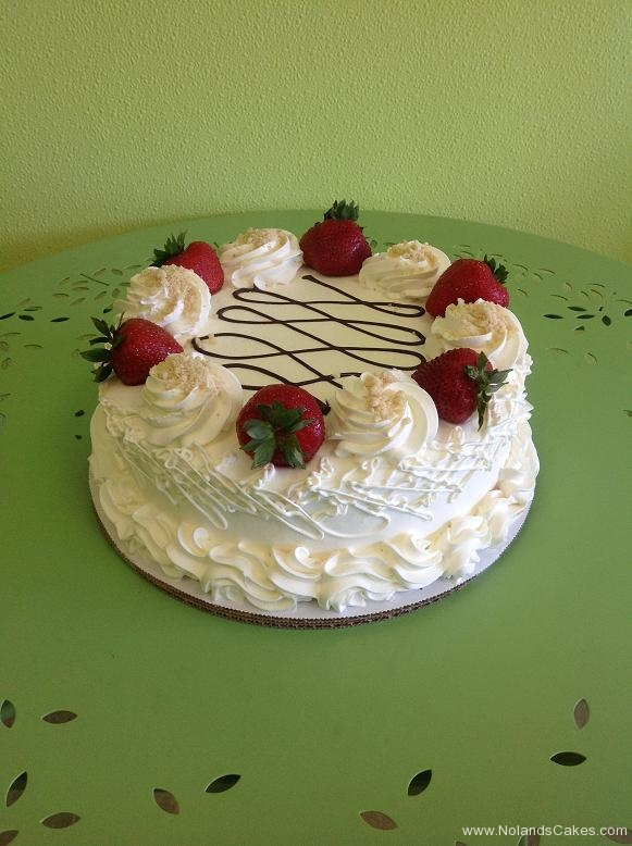 782, white, frosting, strawberries, fresh fruit, simple, piping, design