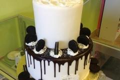 778, tiered, two tiered, cookies, oreos, cookies and cream, milkshake, novelty, ice cream, white, black, brown,