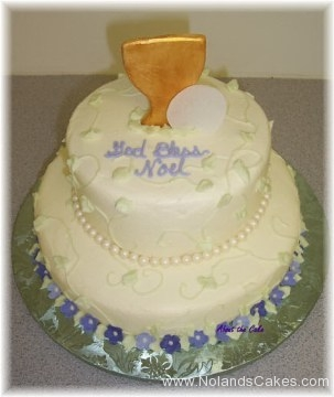 586, tiered, two tiered, white, flowers, purple, blue, border, communion, first communion, cup, chalice, goblet, gold, wafer, cracker